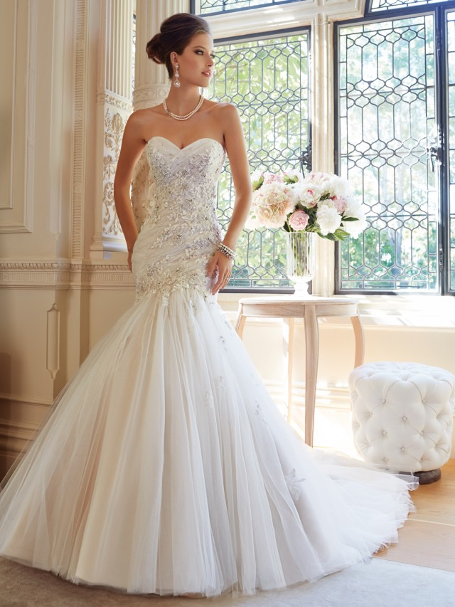 Astonishing Bridal Gowns by France famous designer tailor made ...